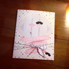Carte de félicitations pour un mariage thème bouche & moustache